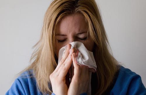 come trattare la sinusite con gli oli essenziali
